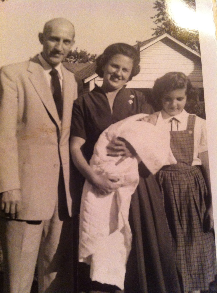 grandma-young-with-parents